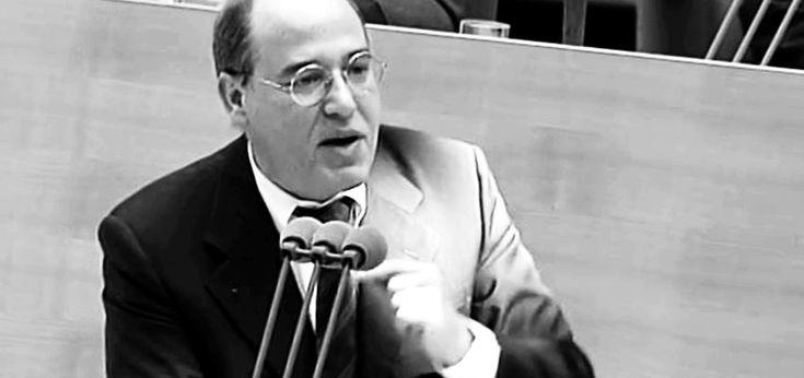 DER PROPHET Gregor Gysi - Der Prophet LE BOHÉMIEN AM 3. JULI 2015  In heute geradezu verblüffender Klarheit skizzierte Gregor Gysi am 23. April 1998 im Bundestag, welche Folgen die bevorstehende Euro-Einführung für Europa haben werde. Er sollte bis ins Detail Recht behalten.