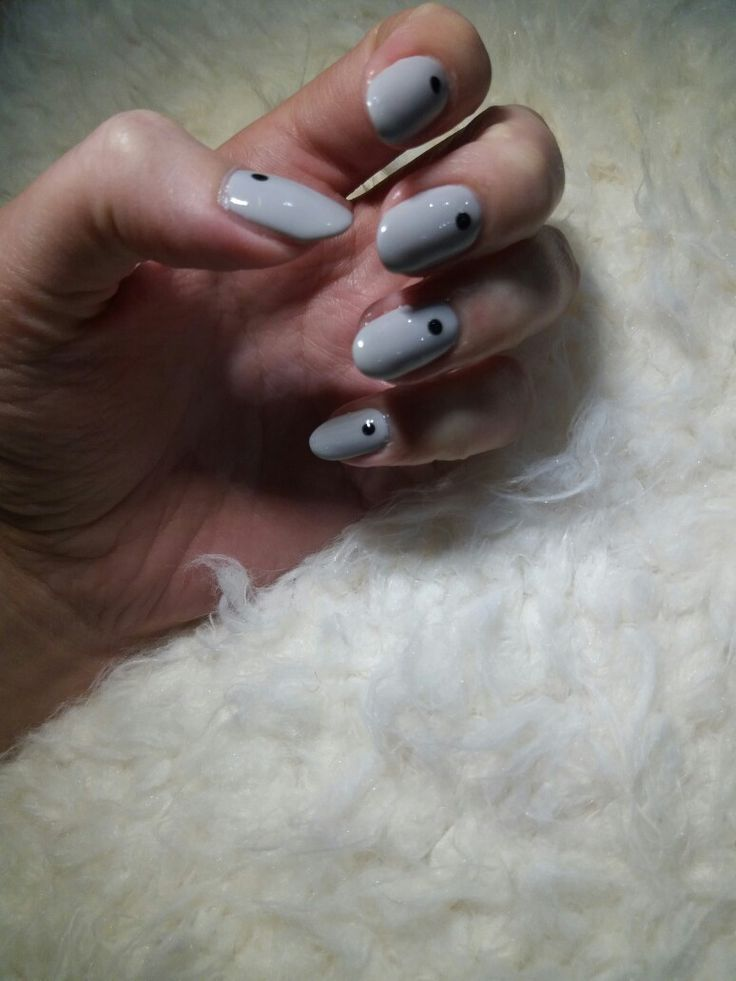 grey almond nails with dots