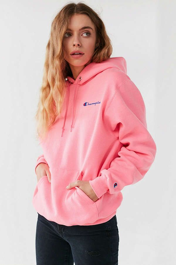 champion + uo reverse weave mini logo hoodie sweatshirt. urban outfitters. pink.