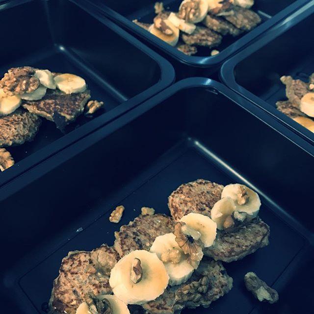 Mnamka  http://bit.ly/2DObh3j #food #fitnessfood #fitfood #ffmenu #trebic #zdravestravovani #zdravestravovani #jimezdrave #krabicky #vysocina #dnesjem #eatclean #instafood #instadaily #pancakes #snidane #zdravasnidane #healthyfood