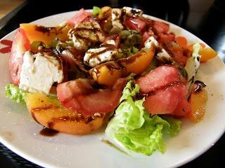 Grüner Salat mit Wassermelone und Nektarine  #glutenfrei #glutenfree