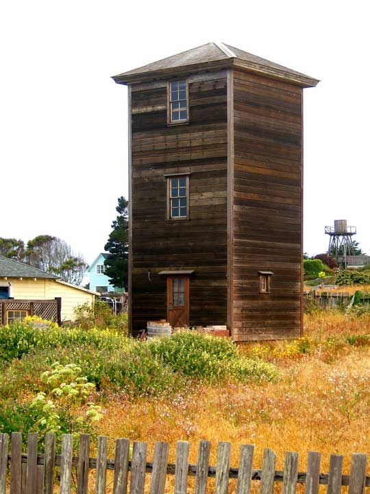 Old Water Tower In Northern California Turned Into A Tiny House.