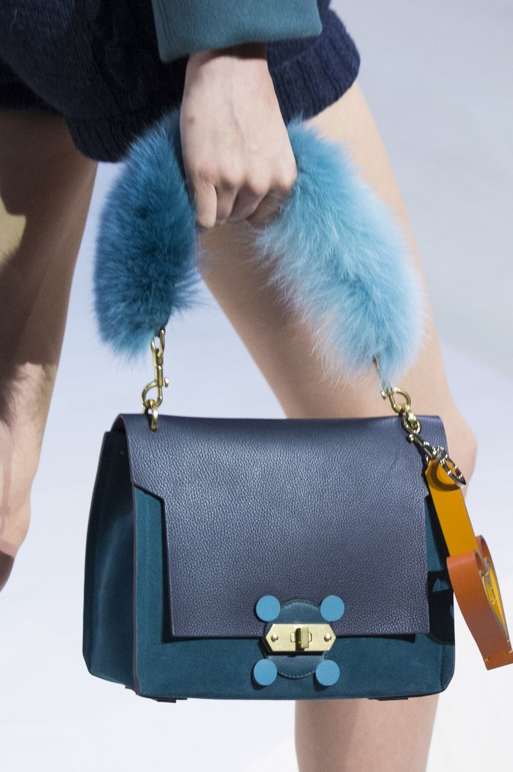 Anya Hindmarch Fall 2017 Fashion Show Details The Impression