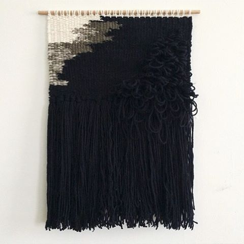 Monochrome weaving