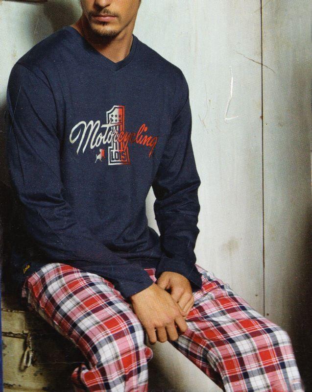 ¿LOIS, PIJAMA DE HOMBRE?. Esquijama en punto de algodón para un uso continuado de todo el año. Combinado, camiseta lisa y pantalón a cuadros. http://www.varelaintimo.com/92-pijamas-de-manga-larga