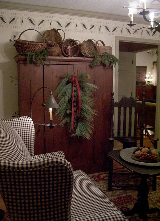 86 best Colonial Design images on Pinterest Christmas wreaths - primitive christmas decorations