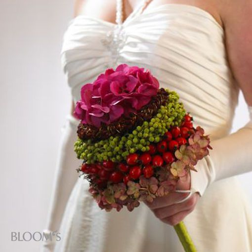 Alternative Bridal Jewelry - Bride scepter - The scepter acts pompous and garnishing at the same time. The layered fruit and flowers are also color matched to an autumn wedding, both in their composition.