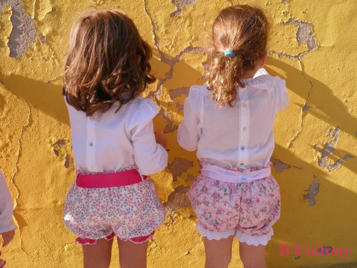 Calções de veludo cotelê com flores cor de rosa e renda de algodão e calções cor de rosa com bordado Inglês - Pink flowered shorts with pink cotton lace and pink shorts with flowers and cotton eyelet