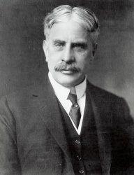Robert Laird Borden, premier ministre de la Puissance du Canada ( 1911-1920 )…