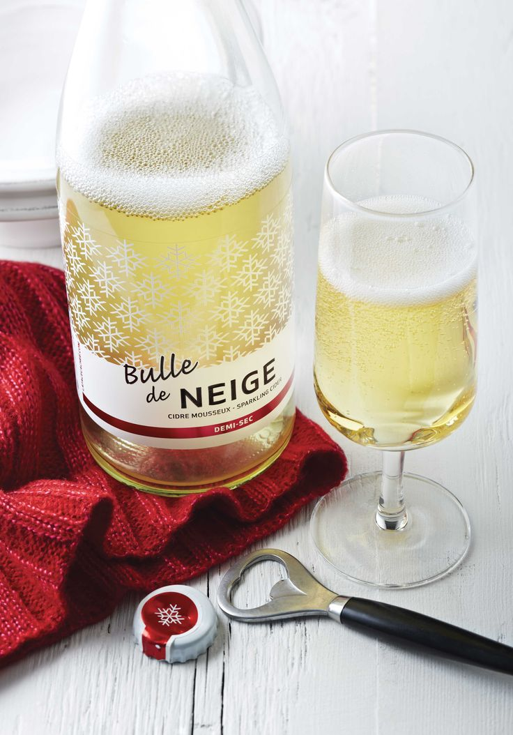 Le #cidre_mousseux La Face Cachée de la Pomme Bulle de Neige sera un invité d'honneur de plusieurs réceptions des fêtes! #fetes #Noel