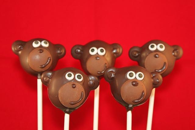 Monkey Cake pops by 2Sweeties  www.facebook.com/2sweeties