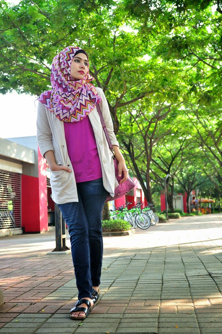 URBAN DAILY NONIZAKIAH: TRIBAL IN FUSHIA