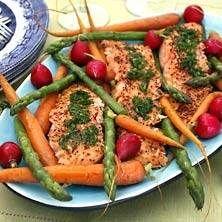 Snabbgravad, grillad pepparlax med grönsaker