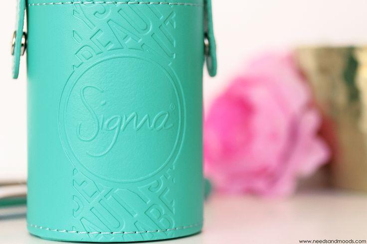 Sur mon blog beauté, Needs and Moods, retrouvez une revue que le kit de pinceaux Sigma : Travel Kit Make Me Cool!  http://www.needsandmoods.com/sigma-travel-kit/  #sigma #sigmabeauty @sigma_beauty #thebeautyst @thebeautyst #sigmabrush #sigmabrushes #brush #brushes #makeup #maquillage  #beauté #beauty #blog #blogueuse #blogger #beautyblogger #TravelKitSigma #SigmaTravelKit #MakeMeCool #TravelKitMakeMeCool  #pinceaux #pinceau #mua #makeupaddict #turquoise