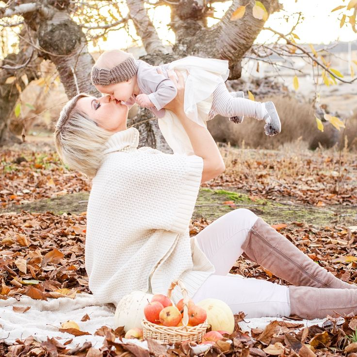 Mommy and baby girl fall outdoor photo shoot. Nuetral color theme. Autumn. Leaves. Apple orchard. Mom and me. Baby girl. Family. Pictures. Poses.Family fall outdoor photo shoot idea. Mommy and three girls. Pumpkins. Leaves. Apples. Orchard. Autumn. Sweaters. Baby. Sisters. Mom. Mommy and me.