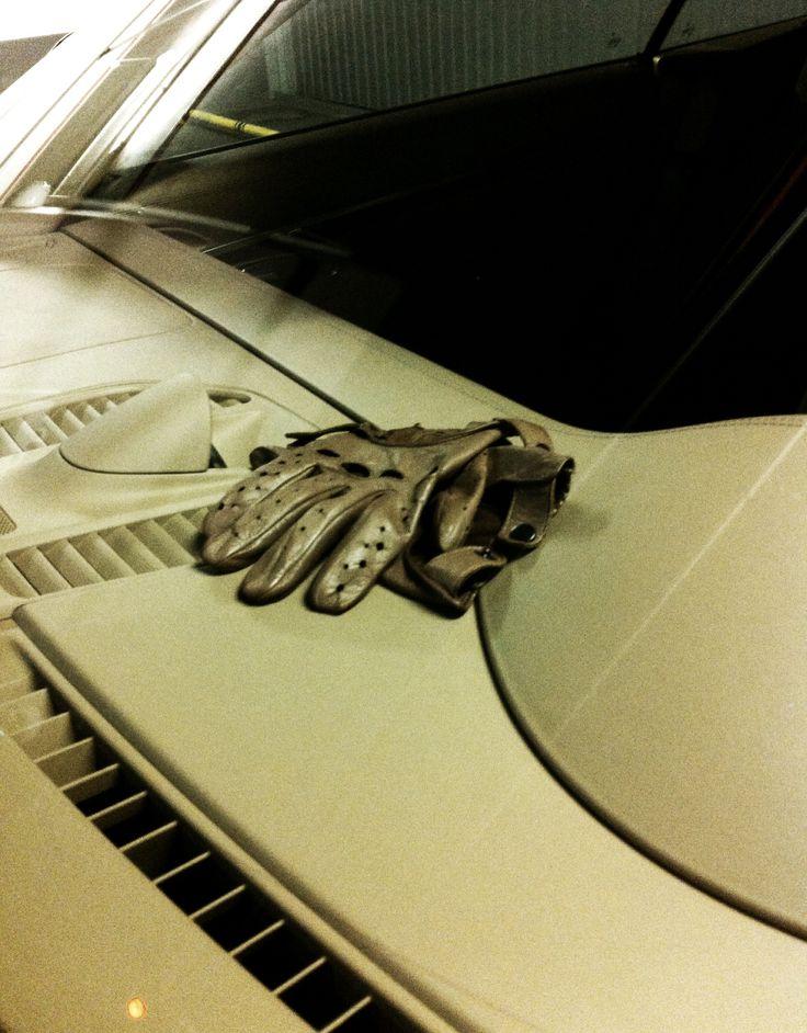 The gentleman's 911; Bucharest, Romania #911 #leather #gloves