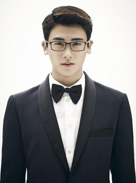25 Hot Korean Actors who Magically Look Hotter in Glasses  Park Hyung Sik