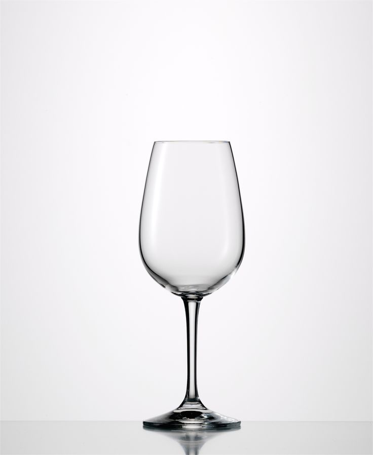 Sensis Plus Vino Nobile White  Sensis Plus Glass: Enhance aromas and flavours while preserving the original character of the wine Lead-free crystal Made in Germany Capacity: 11.3 oz Height: 7.9″ Dishwasher Safe 6 pack