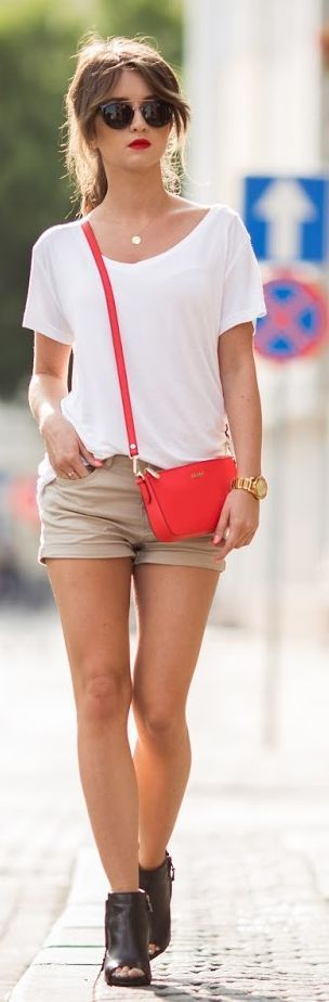 Styloly Beige Simple Shorts