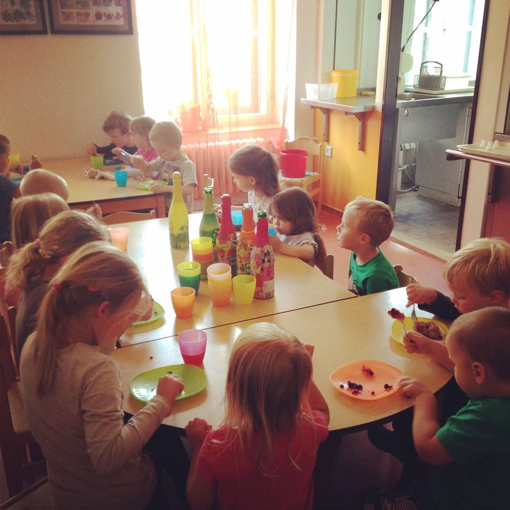 Last days in the CZ kindergarten came and went and now we're planning the next steps. Follow our relocation to UK on TinyExpats.com!