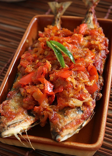 "Fish top with Hot Chilli Peppers :   ""Ikan Sambal Belado"""