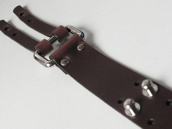 Pulsera de cuero del pun o de cuero marrón con por BeadSiam