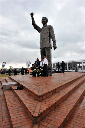 Mandela Statue Naval Hill Bloemfontein