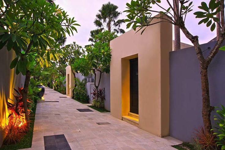 Villa Pathway at The Seminyak Suite Private Villa. #bali #seminyak #luxuryvillas http://www.the-seminyaksuite.com/