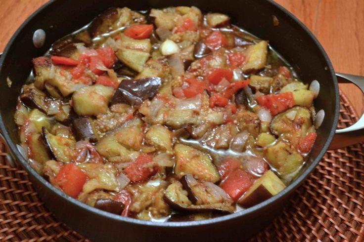 Arab Cuisine | Arabic Food Made Easy Series: Imnazzaleh