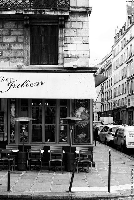 chez julien bistro in paris food is very good but outdoor dining views are awesome paris. Black Bedroom Furniture Sets. Home Design Ideas
