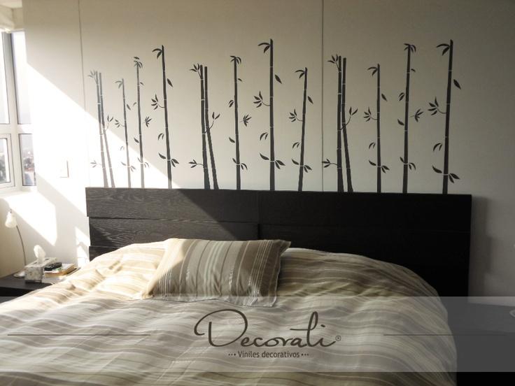Bambú para decorar la cabecera de tu cama.
