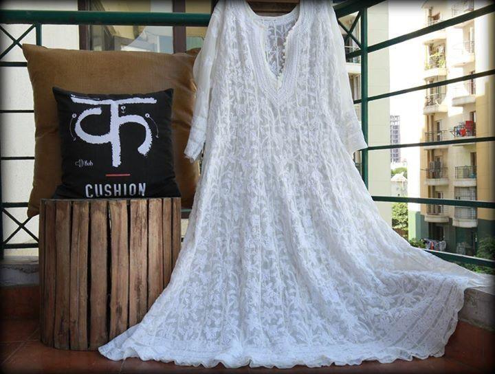 Like Full Moon is out!!! White Chikankari Anarkali!!! #meiraas #chikankari #anarkali #embroidery