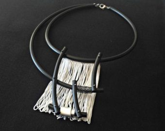 Collana collana gioiello contemporaneo asimmetrico regalo