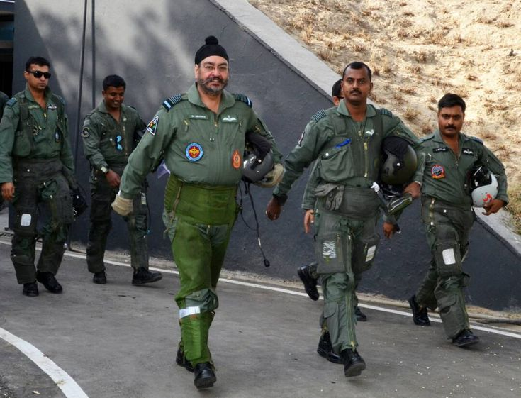 IAF Chief Takes To The Skies, Leads The 'Missing Man' Formation Flypast