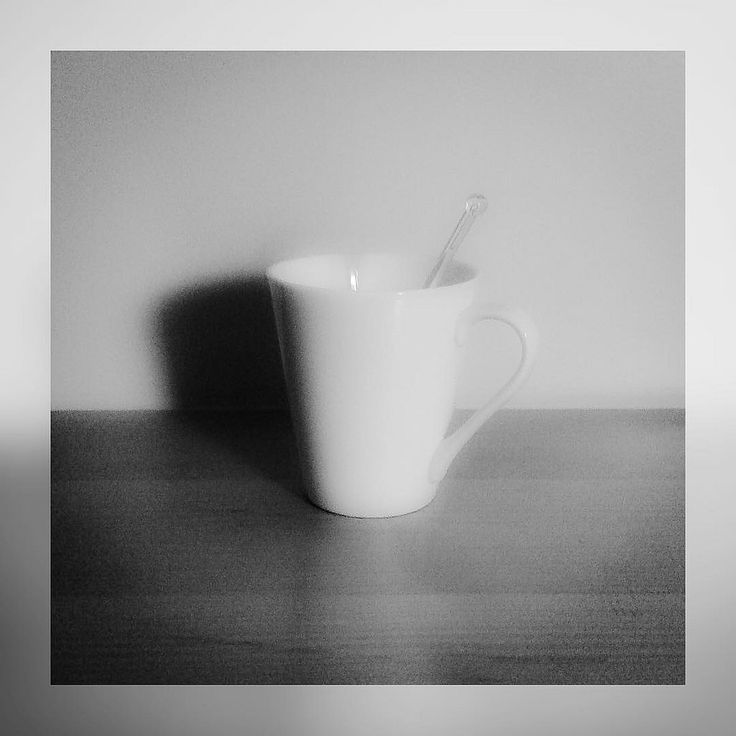 #morning #minimal #moment #squaready #andreaturno #blackandwhite #black_and_white  #mug #simple #little_things #littlethings @andreaturno #ipad #ipadair #ipadphoto #photo #pic
