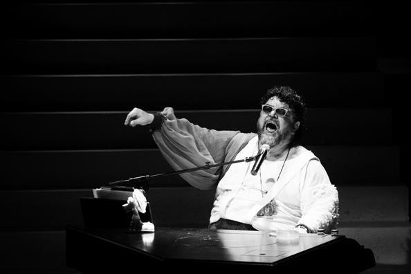 Σταμάτης Κραουνάκης : αρκετά με την ευκολία του «τίποτα» / με την υπογραφή μου