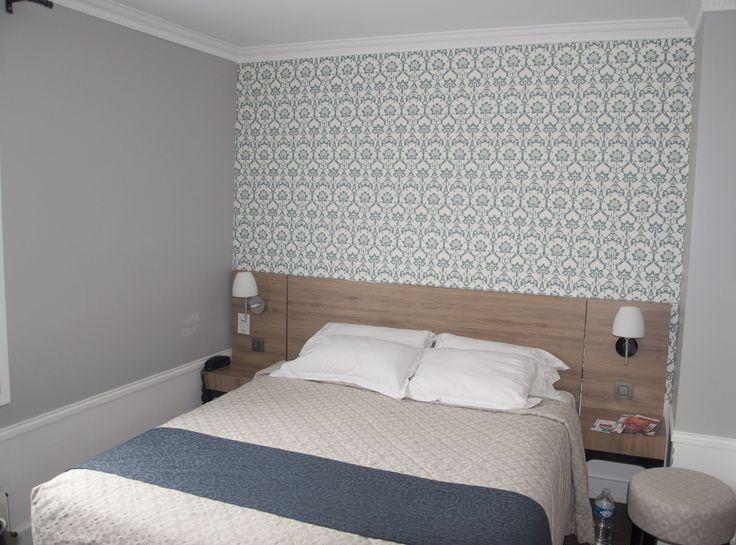 Tissus Romo et papier peint Cole & Son, chambre d'hôtel Paris. Florence Tory www.f-tory.com
