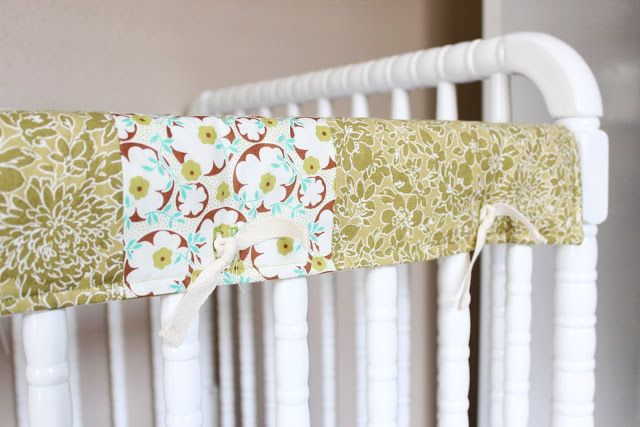 Reversible Crib Rail Cover Tutorial -- This is the EXACT way I want to make mine!! Amazing tutorial with lots of pictures!