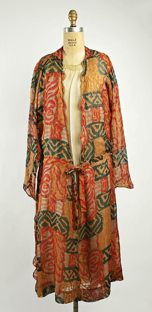 Dress (Tea Gown)  Madeleine Chéruit  (French, 1906–1935)   Date: 1922 Culture: French Medium: silk http://www.metmuseum.org/Collections/search-the-collections/80003295?rpp=20=1=*=Gowns=12