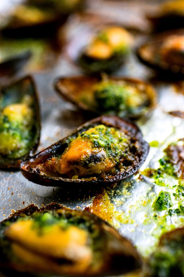 Recipe: Broiled mussels with garlicky herb butter || Photo: Andrew Scrivani for The New York Times