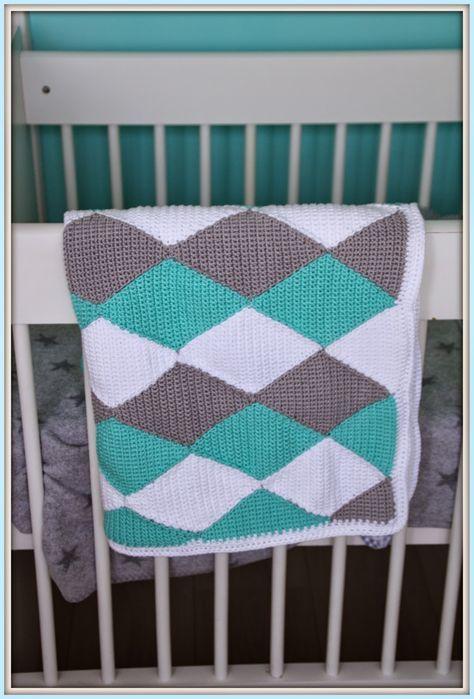 In een van mijn eerdere blogs heb ik de gehaakte ruiten deken oftewel 'harlequin blanket'al laten zien. Ik vind hem zelf erg leuk geworden...