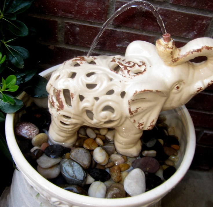 Elephant's Shower Water Fountain @Tina Davis: Looooov Pachyderms Elephants, Elephants Wein Dogs, Elephant Showers, Magnificent Elephants, 3 Elephants, Elephants Galor, Olifanten Elephants, Elephants Showers