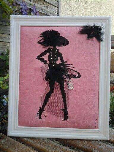 La petite robe noire façon Perrine. Tulle,plume.paillette auto collante,et perle