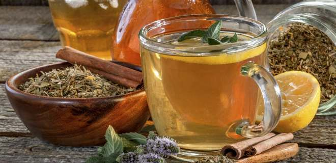 We all have heard that drinking a glass of warm water with honey and lemon early in the morning is good for health. Some also believe that it might help in weight loss as well. If you are one of those people who are skeptical of most things, here are 10 reasons why drinking warm water with lemon and