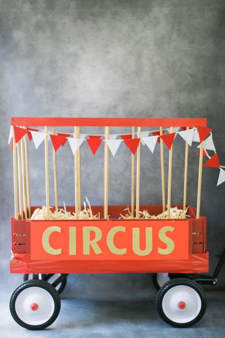 Circus Wagon: http://www.stylemepretty.com/living/2015/10/19/trick-or-treat-best-ever-diy-costumes/ | Photography: Ruth Eileen - http://rutheileenphotography.com/