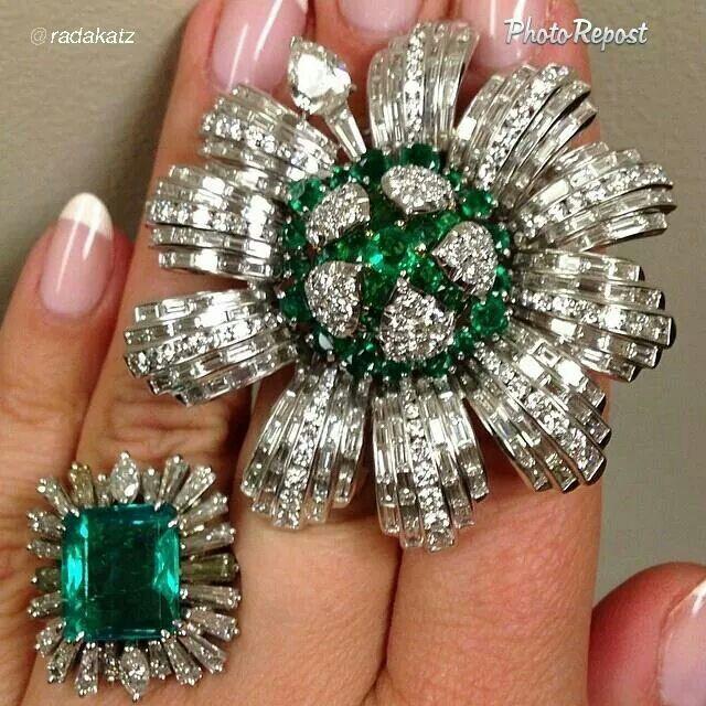 Emeralds, diamonds... gorgeous shade of green~