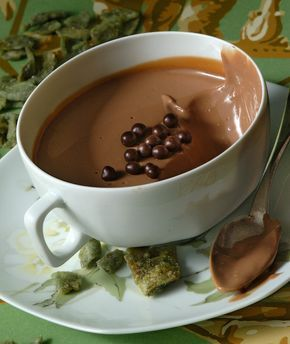 Cream with chocolate and vanilla..