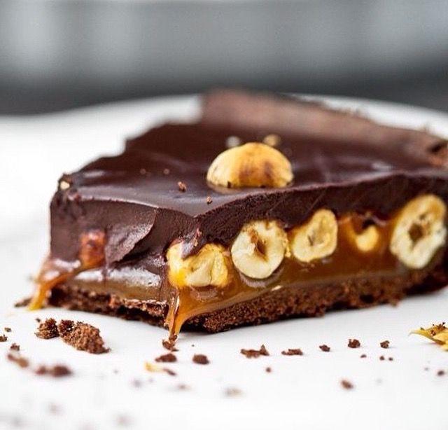 Hazelnut chocolatw caramel cake