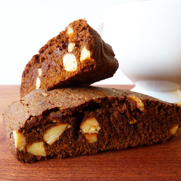 A delicious gingerbread biscotti recipe with crunchy almonds, perfect for a cold winter day.. Gingerbread Biscotti Recipe from Grandmothers Kitchen.
