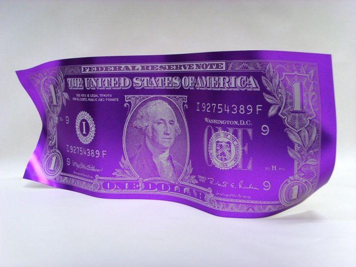 """Salle des ventes ABC : Karl LAGASSE (1981) Ecole Française Aluminium gravé poli-miroir violet """"One Dollar"""", signé et daté, pièce unique par pliage, 60 x 25 cm"""